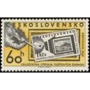 1125 - Ruka s pinzetou a známkou